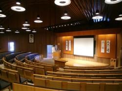 倫理研究所富士高原研修所講堂