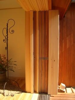 全開できる木製建具(戸袋の中の状態)