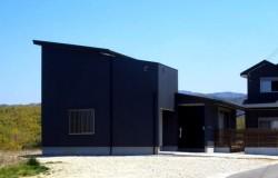 天理のガレージハウス外観