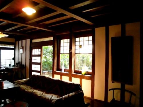 芹沢銈介の家(内観)南に設けられた出窓