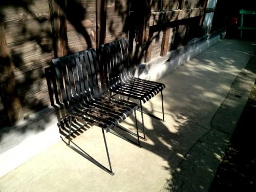 芹沢銈介の家・自らデザインしたスチールの椅子