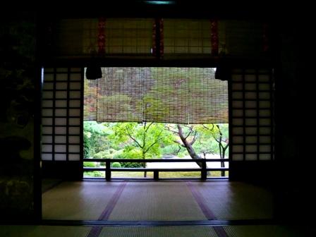 大徳寺孤篷庵方丈(西の庭を望む)