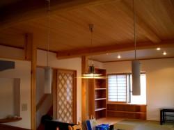 田原本の3階建て3